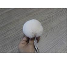 Помпон из натурального меха кролик рекс 8-9 см 17 молочный